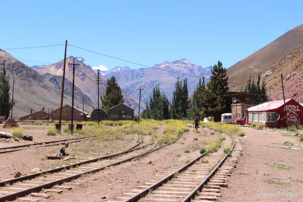 Ruinas de las vías del Ferrocarril Transandino Los Andes