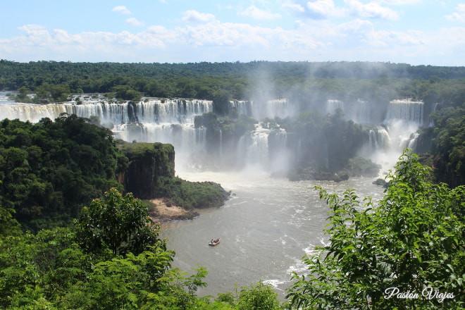 Vistas de las cataratas del Iguazú en Brasil.