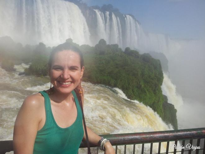 Caminata por la pasarela en lado brasileño.