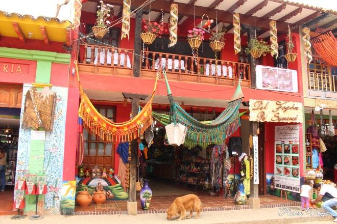 Venta de artesanías en Boyacá.