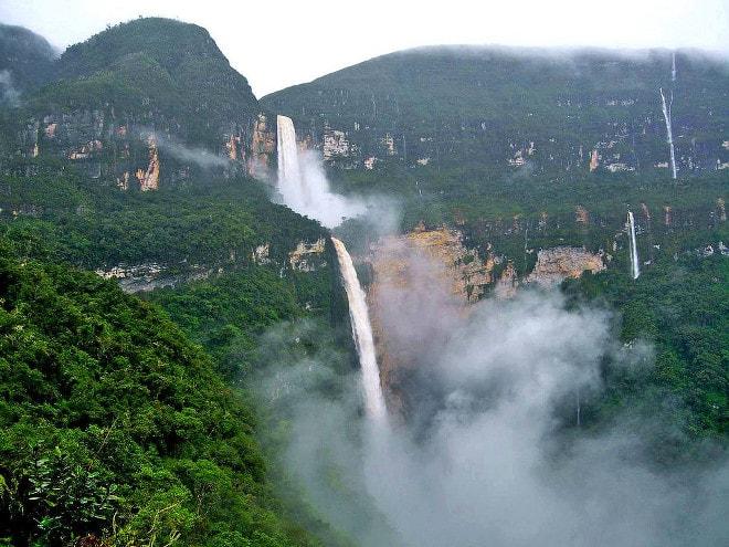 Turista surcoreano muere por selfie en la catarata Gocta.