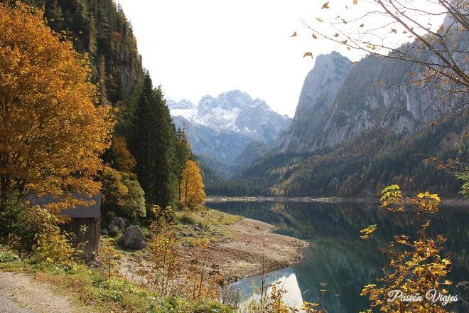 Paisaje otoñal del Lago de Gosau.