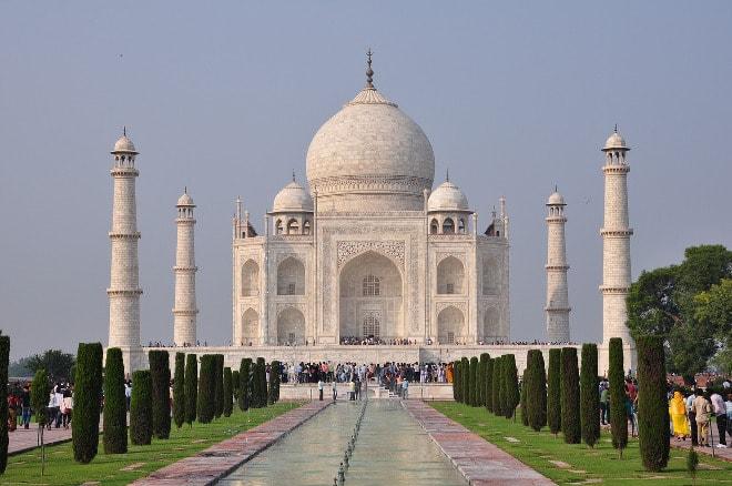 Turista japonés muere por selfie en el Taj Mahal.