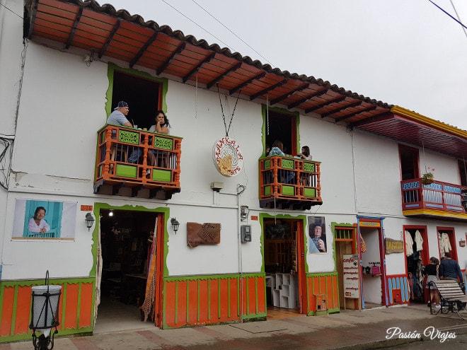 Casas con balcón en Salento.