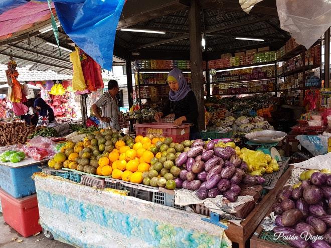 Vendedora malasia en el mercado de Cameron Highlands.