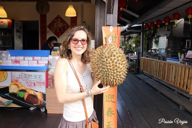 Fruta durian en George Town, Penang.