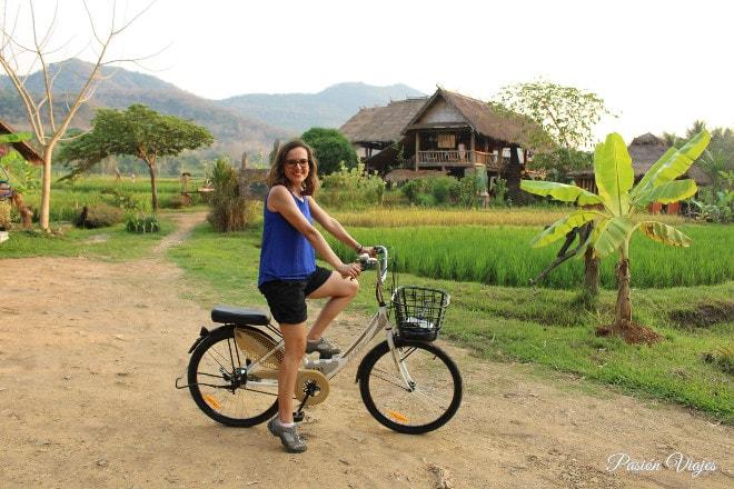 Paseo en bicicleta por Luang Prabang.