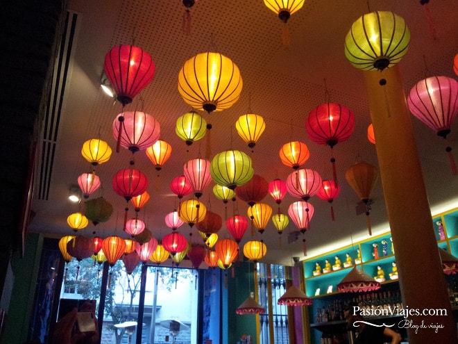 Decoración en el restaurante vietnamita Bun Bo.