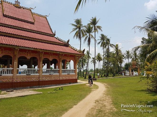 Alrededores del templo Wat Khon Tai en Don Khon.