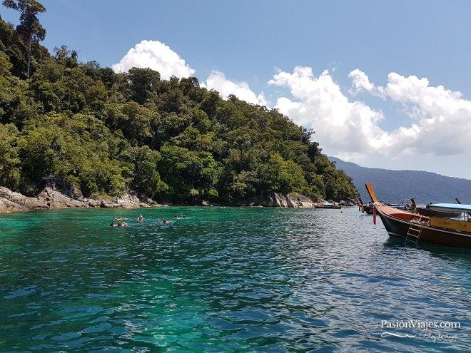 Cuarta parada del tour para hacer snorkeling en Koh Yang.