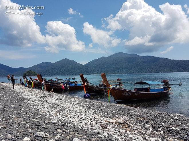 Playa de piedras en Koh Hin Ngam.