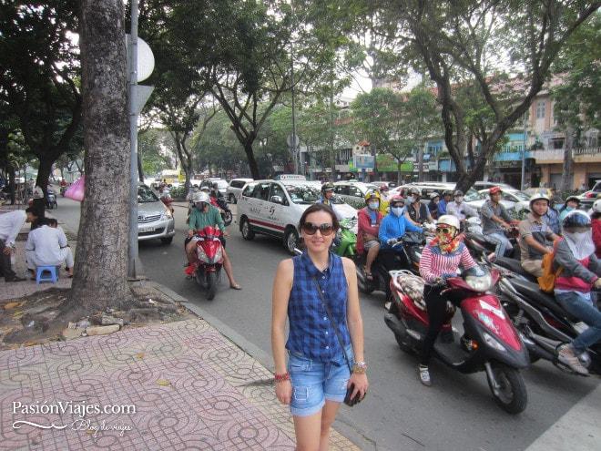 Esta es la camisa que llevaba cuando casi me roban en Saigón. Aunque esta foto es de otro día, también en Ho Chi Minh.